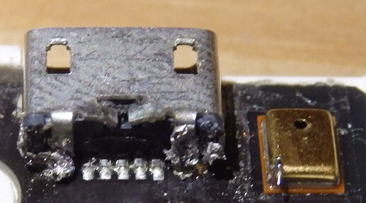 Cropped-soldered-µUSB