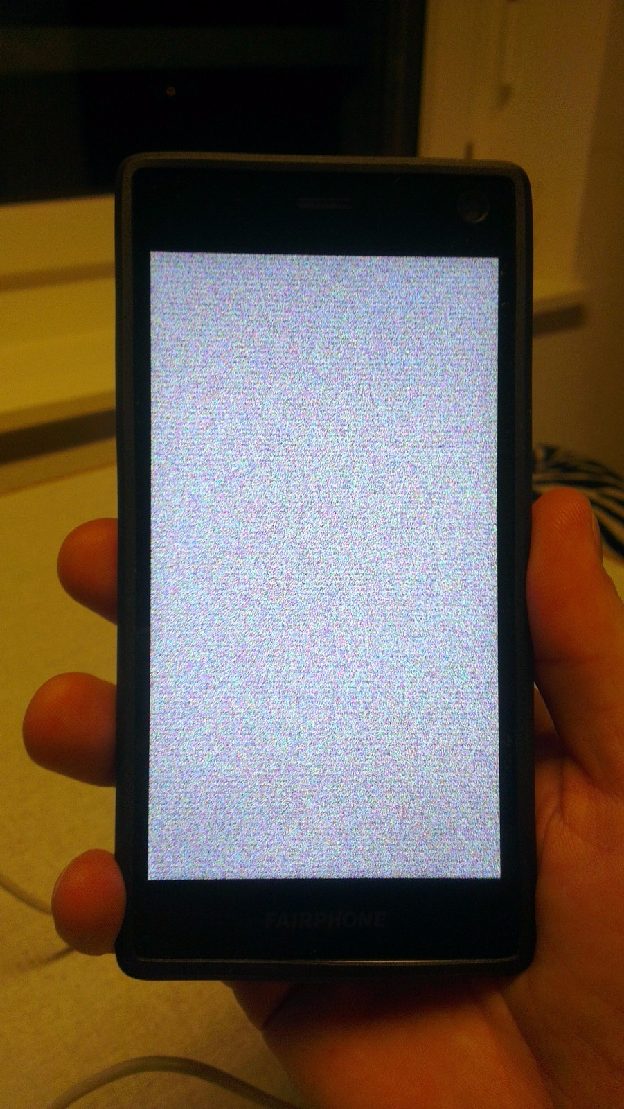 Screen blurs and lines appear - FP2 - Fairphone Community Forum