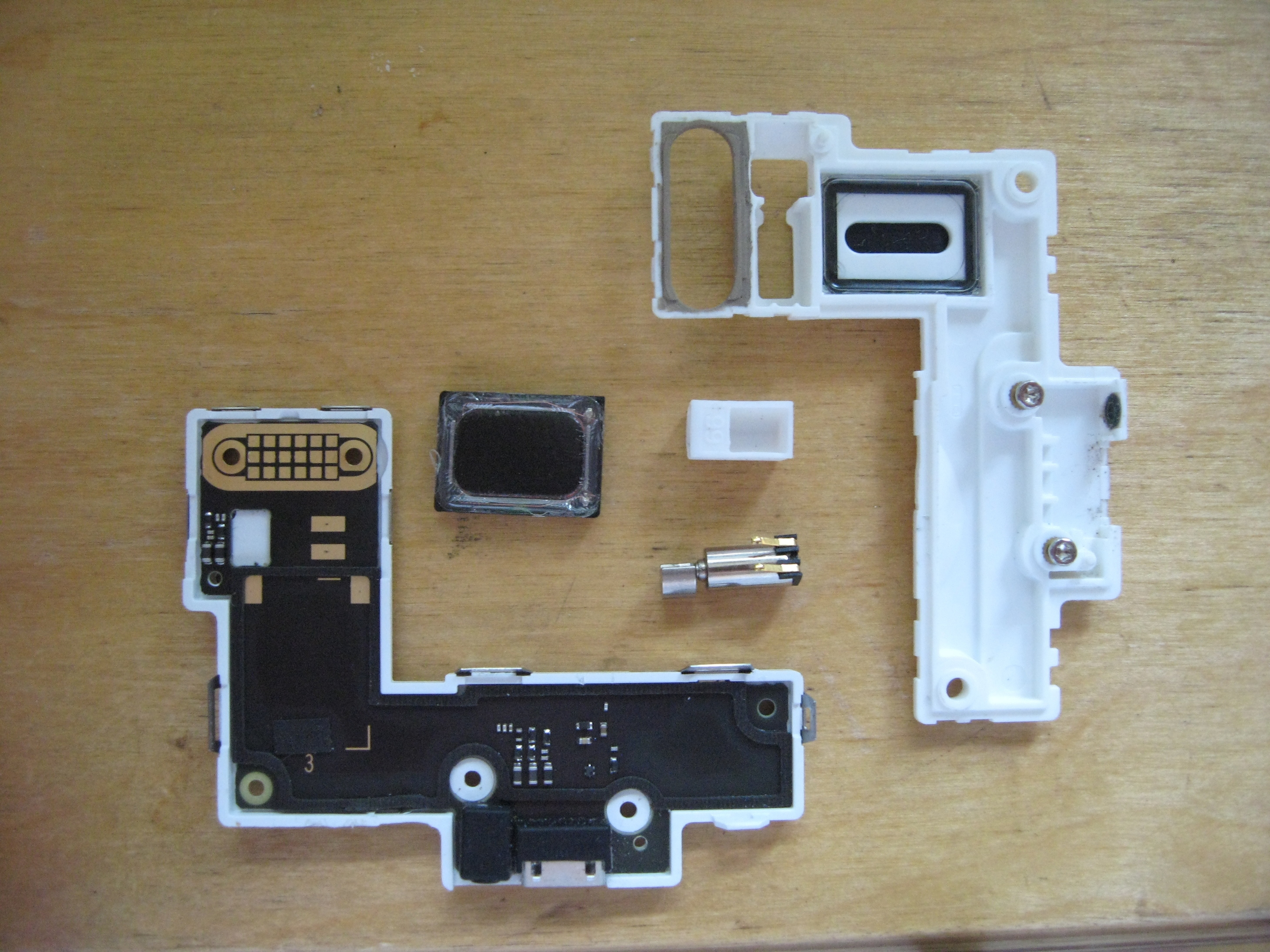 FP2: MicroSIM adapter broke SIM card slot pin - FP2 - Fairphone